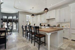 open kitchen. modern kitchen design. dining at kitchen island.