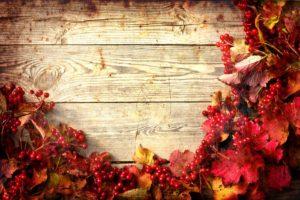 Thanksgiving centerpiece. Thanksgiving garland
